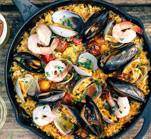 Paella-spain-traditional-food